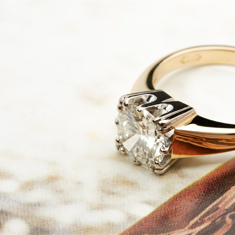 18K Yellow and White Gold VS1-VS2 G/H 1.98cts Round Brilliant Diamond Solitaire Ring