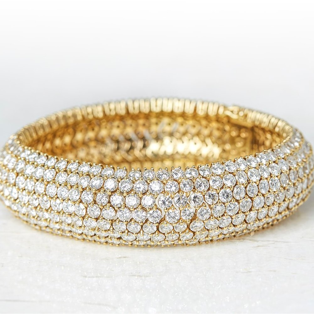18k Yellow Gold Round Brilliant Cut 49.00ct Diamond Cluster Bracelet