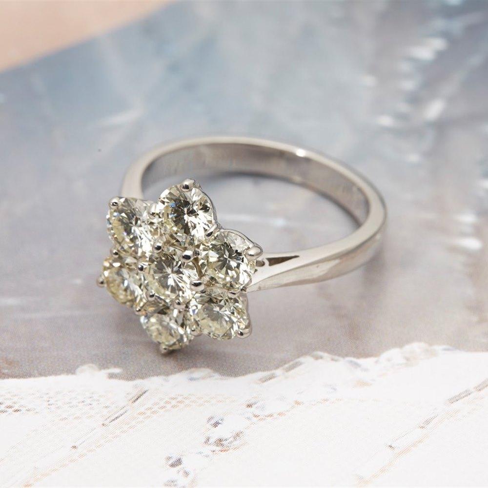 18k White Gold 2.80cts Diamond Flower Cluster Ring