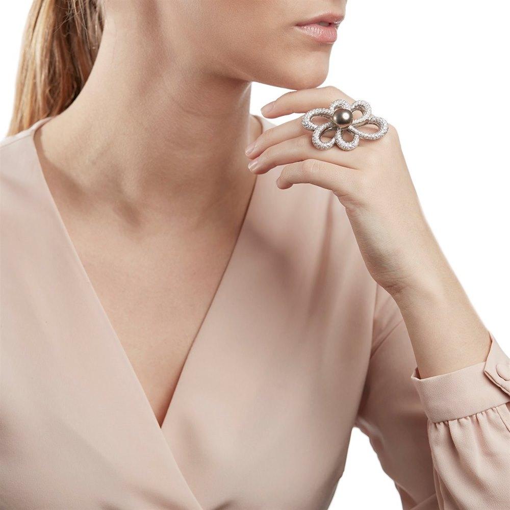 Unbranded 18k White Gold Tahitian Pearl & Diamond Flower Design Ring
