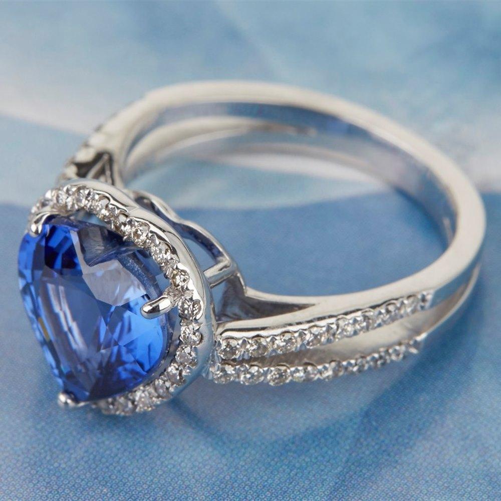 18k White Gold Heart Cut 3.85ct Sapphire & 0.55ct Diamond Ring