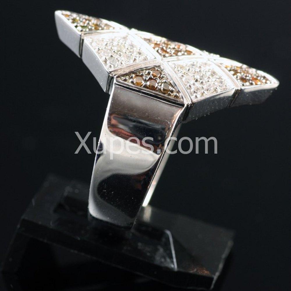 Unusual 18K White Gold White & Cognac Diamonds Ring