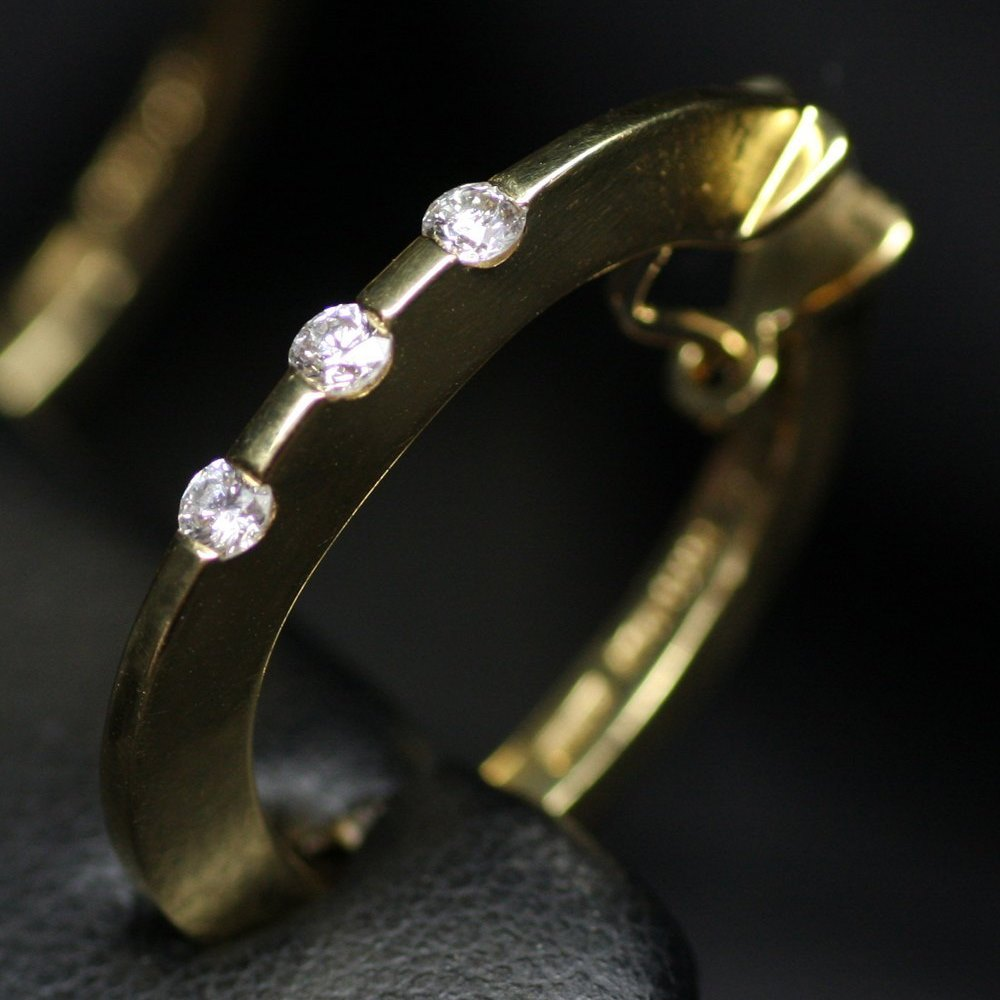 Mappin & Webb Roberto Coin Classica Parisienne 18K Yellow Gold 3 Stone Diamond Huggy Earrings