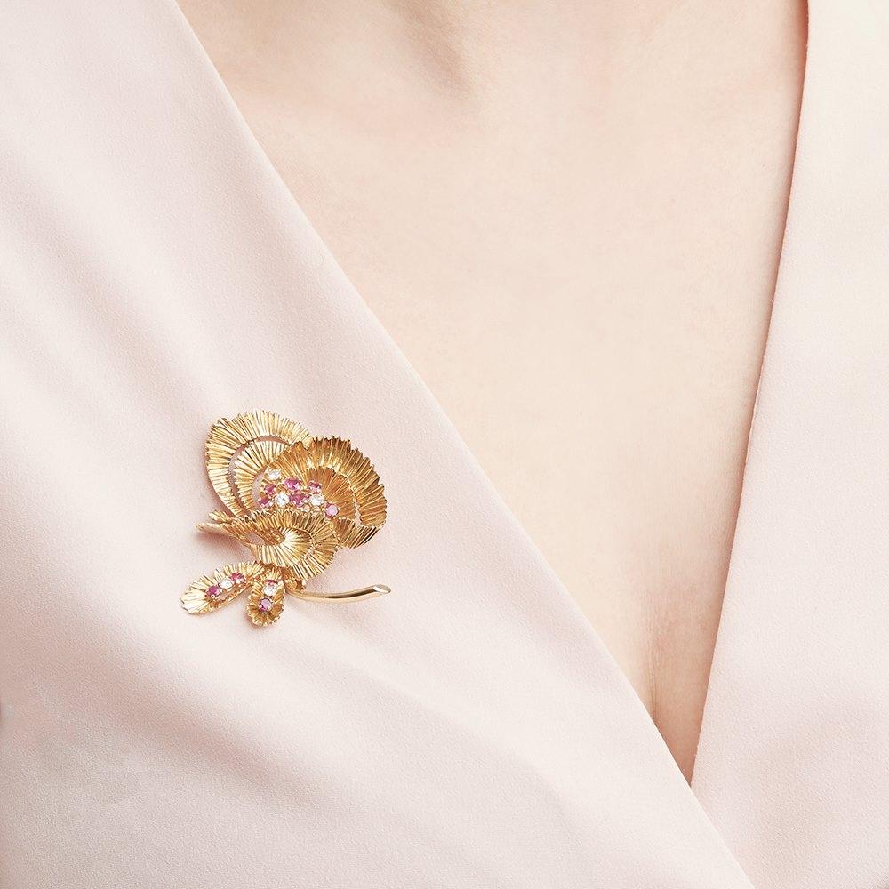 Kutchinsky 18k Yellow Gold Ruby & Diamond Vintage Brooch