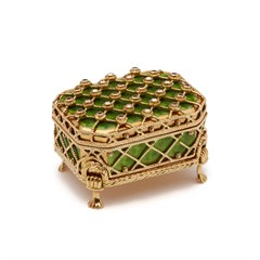 VICTOR MAYER, FABERGE 18CT GOLD PILL BOX & STAND