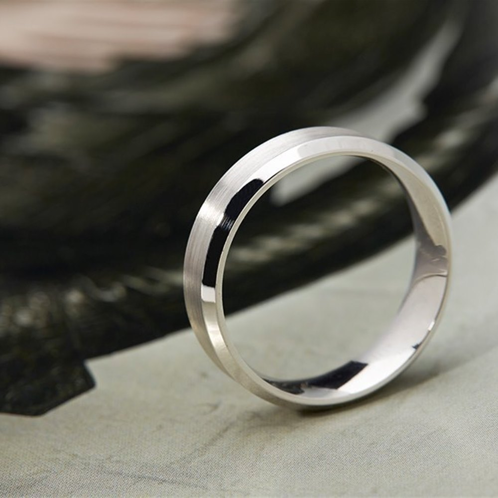 Mappin & Webb 18k White Gold Concave Brushed Wedding Band