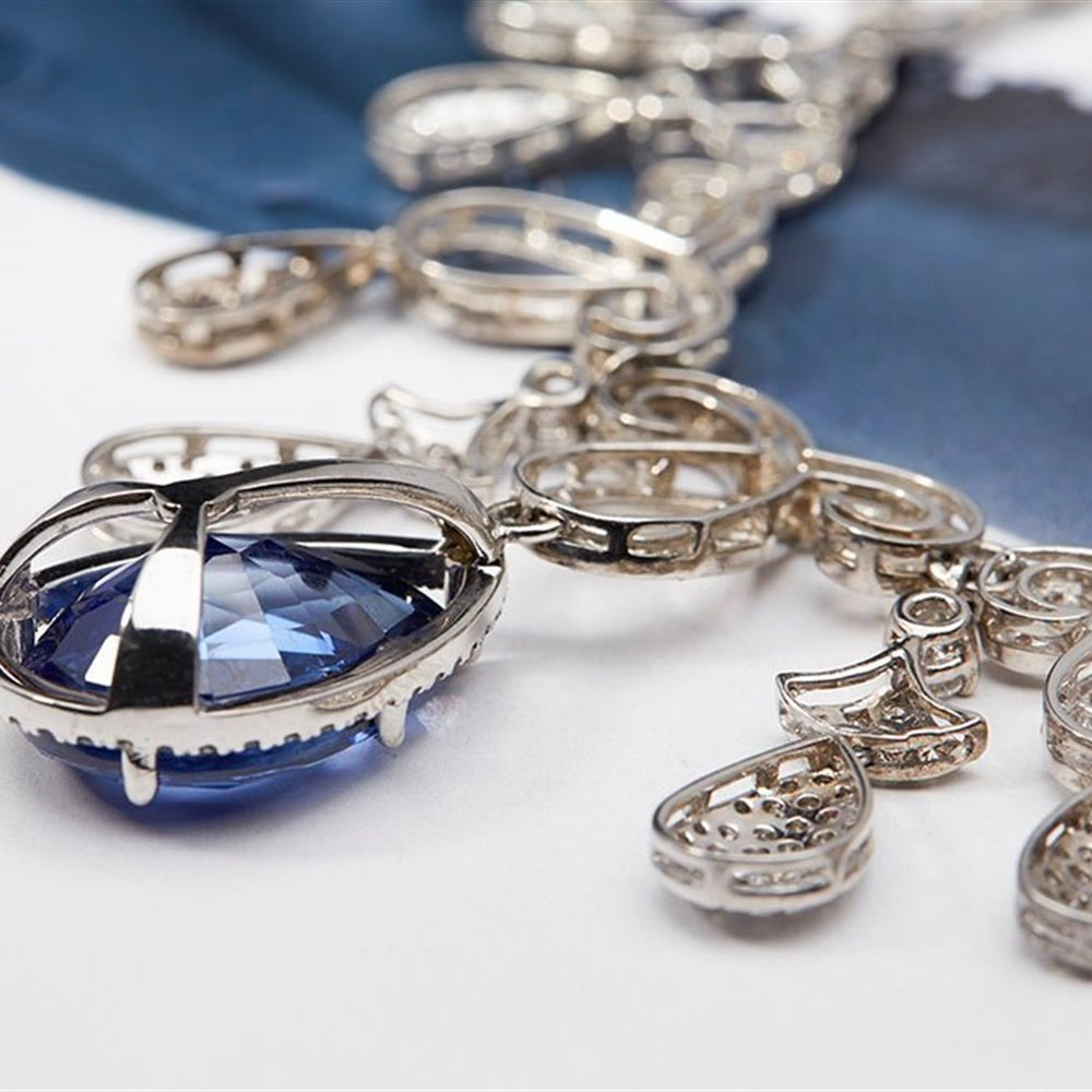 Exquisite 18K White Gold Chandelier Necklace 28.54ct Pear Cut Sapphire and 7.18ct Diamonds