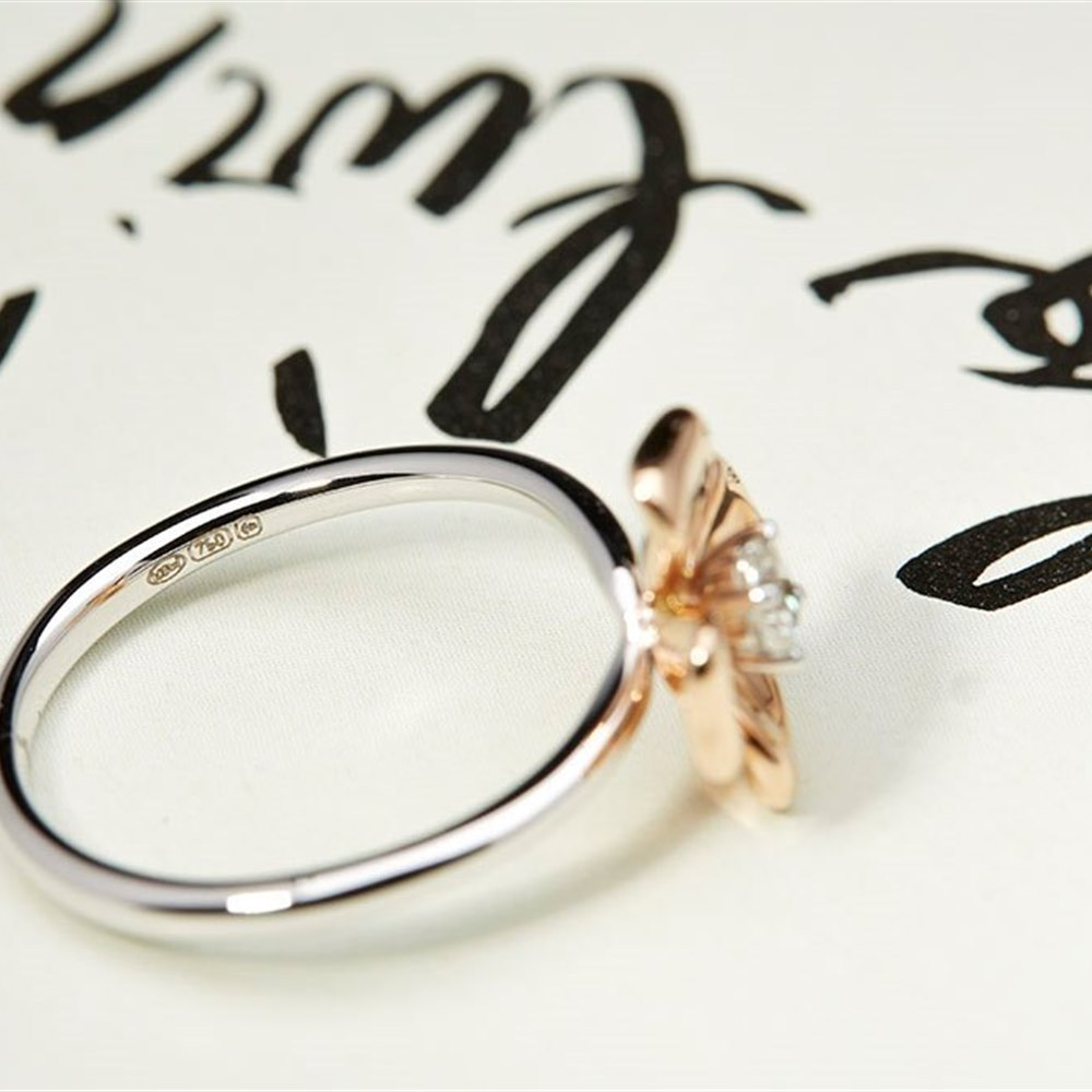 Mappin & Webb 18K White Gold and Rose Gold 0.15cts Diamond Ring Size M