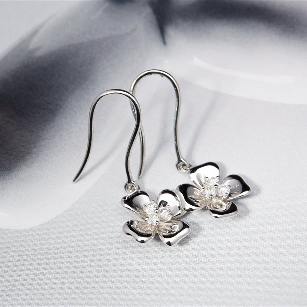 Mappin & Webb 18K White Gold 0.30cts Diamond Flower Earrings
