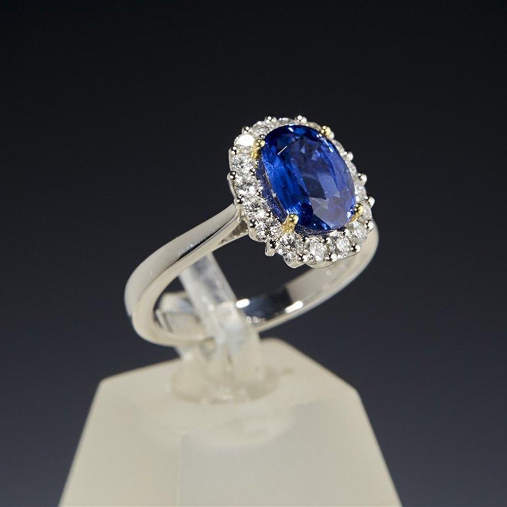 Mappin & Webb Platinum 3.17cts Oval Cut Sapphire & Diamond Ring